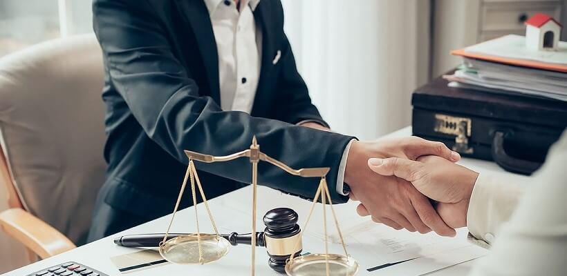 Услуги адвоката по гражданским делам